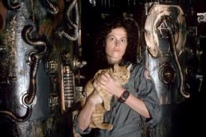 Ridley Scott n'a pas manqué d'introduire un compagnon non-humain pour assister son héroïne dans son film Alien. (c) Bouteiller
