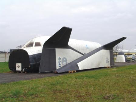 Maquette à l'échelle 1 de l'avion Hermès. © CNES